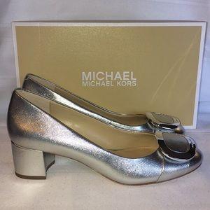 Michael Kors Pauline Mid Pump in silver